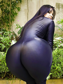 Big Ass Latex Pics